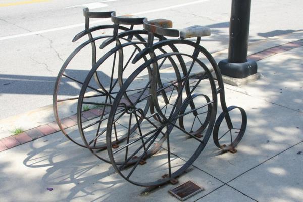 Fahrradständer in Form eines Fahrrads