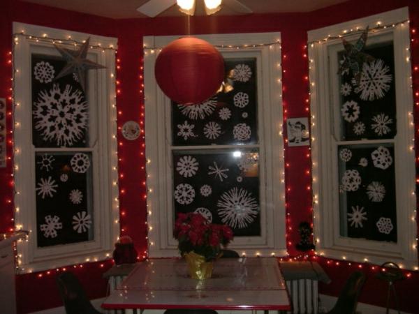 inspirierende-fensterdeko-zu-weihnachten
