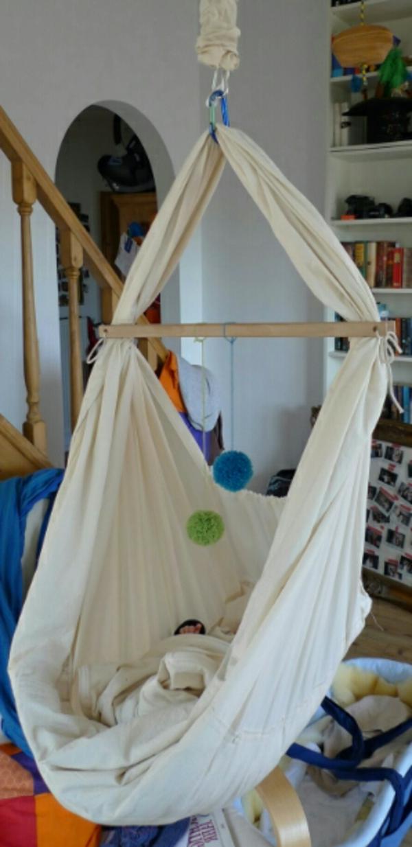 interessant-gestaltete-baby-hängematte