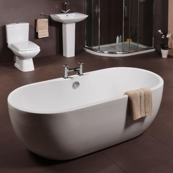 kleine badewannen latest u freistehend und eingebaut with badewanne kaufen