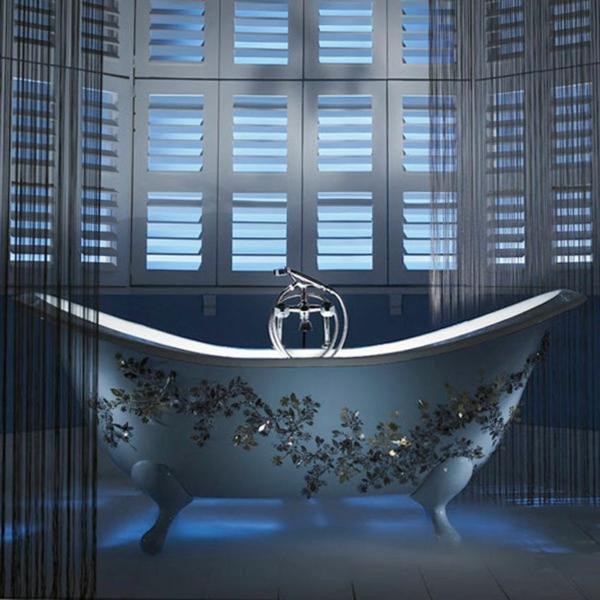 kleine-badewannen-freistehend-einmaliges-design-wunderschön-dekoriert