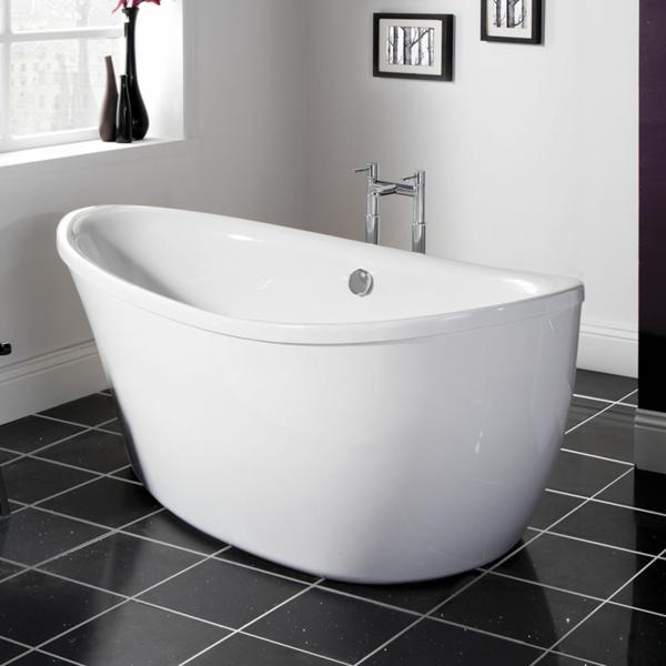 135 kleine badewannen freistehend und eingebaut for Kleine badewannen