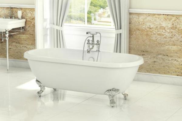 kleine-badewannen-freistehend-süßes-modell-in-weiß