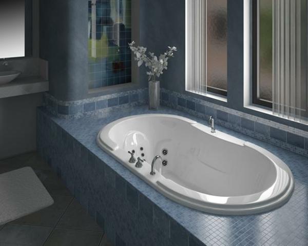 kleine-eingebaute-badewanne-grau-und-weiß-kombinieren