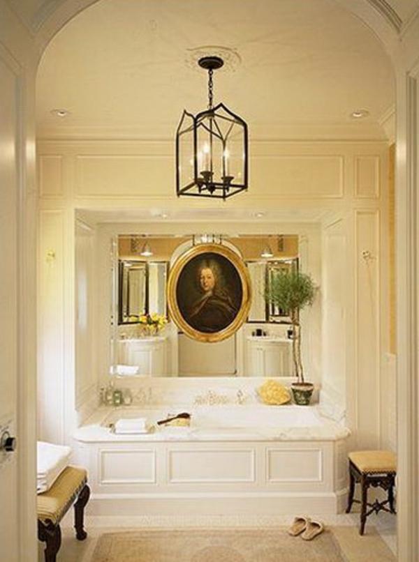kleine-eingebaute-badewanne-im-schicken-bad