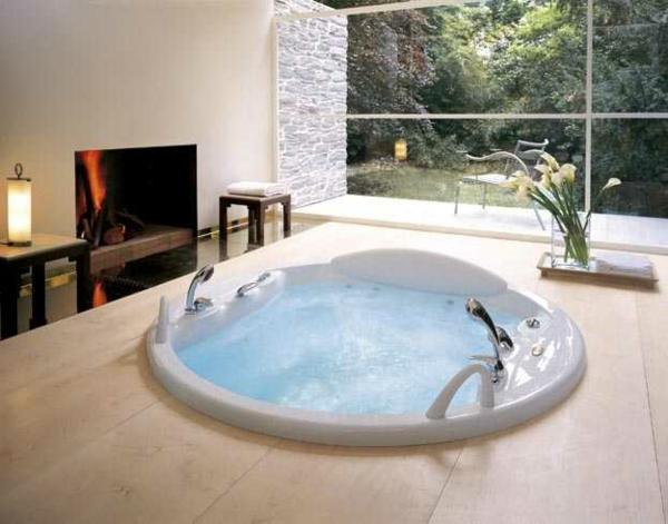 kleine-eingebaute-badewanne-runde-form
