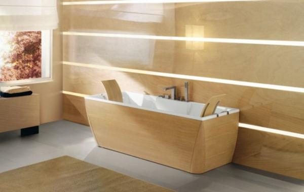 kleine-eingebaute-badewanne-schöne-beige-farbe