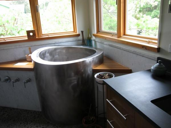 kleine-eingebaute-badewanne-super-originelles-design