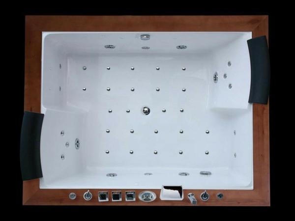 kleine-whirlpools-foto-von-oben-genommen