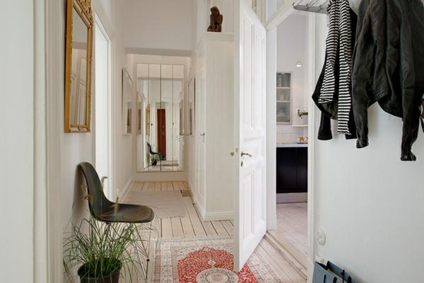 Kleine Wohnung Mit Schön Gestaltetem Flur