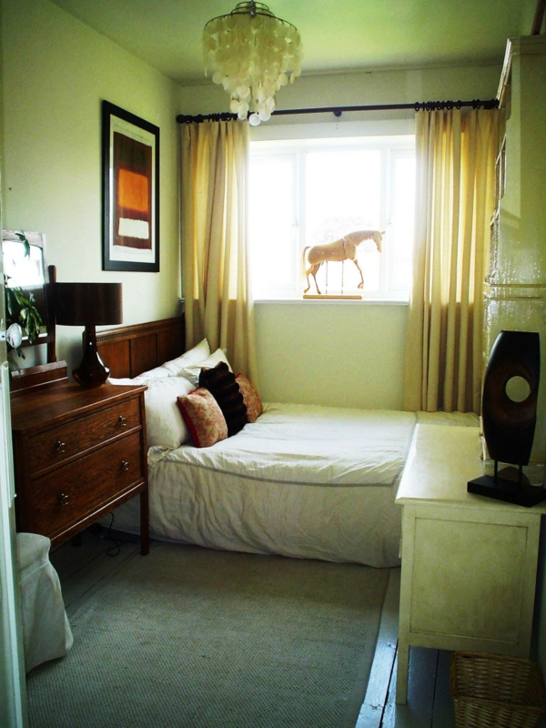kleines-schlafzimmer-einrichten-grüne-nuancen
