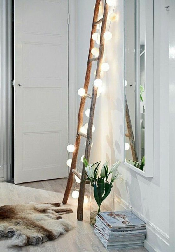 kleines-schlafzimmer-einrichten-leuchtende-treppe