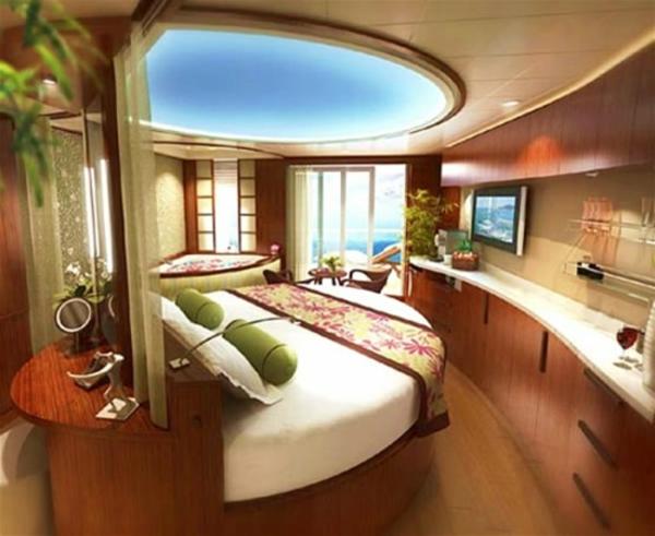 kleines-schlafzimmer-einrichten-luxuriöse-zimmerdecke