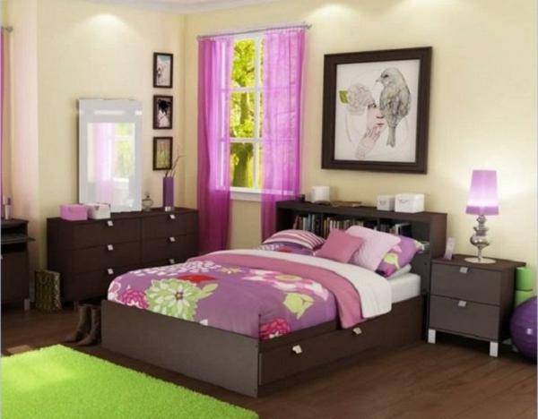 kleines-schlafzimmer-einrichten-rosige-akzente-im-wohnraum