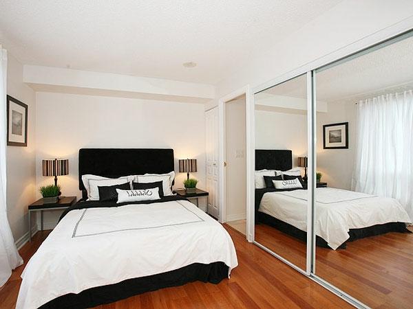 kleines-schlafzimmer-einrichten-super-große-spiegel