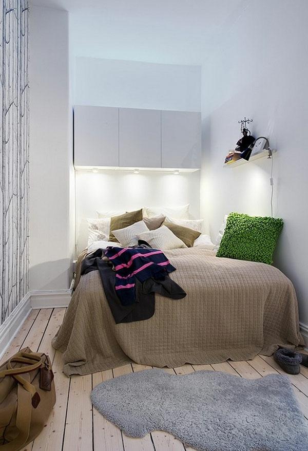 kleines-schlafzimmer-einrichten-weiße-wände-ganz-schlichte-gestaltung