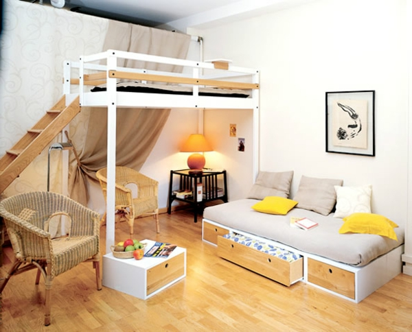 kleines-schlafzimmer-einrichten-weißes-hochbett