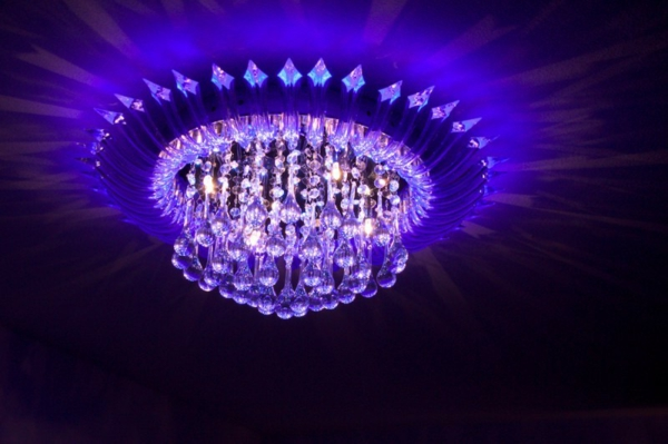 lila-modell-von-led-deckenlampe