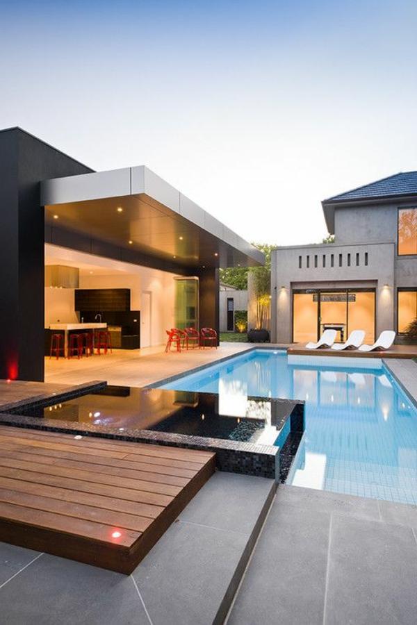 luxuriöse-und-erstaunliche-Terrasse-mit-einem-Pool