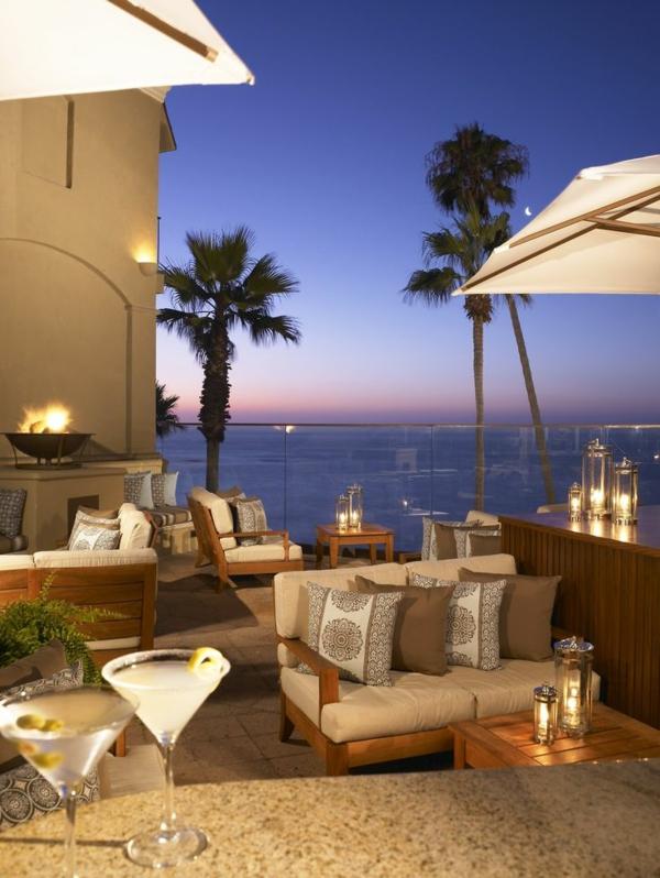 luxuriöse-und-erstaunliche-Terrasse-mit-einer-romantischen-Atmosphäre