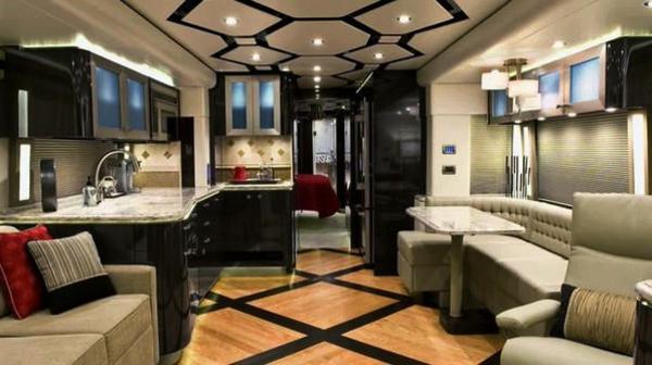 Wohnwagen Gebraucht Luxus Wohnmobil Mit Super Moderner Einrichtung