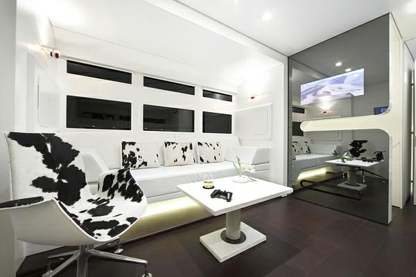 luxurious-and-futuristic-caravan-5