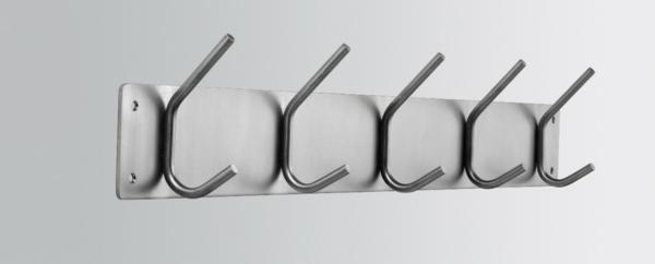 mit-schönem-Kleiderhaken-effektvolle-Lösung-für-Aufhängen-von-Kleidern