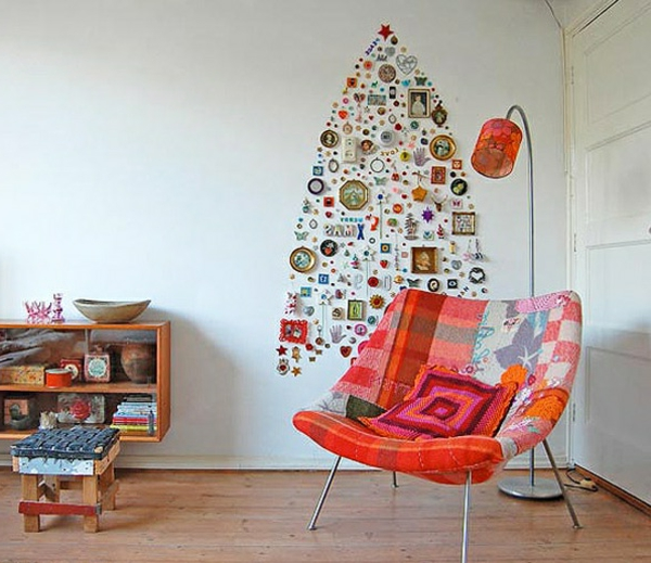 modern-christmas-tree-decoration-ideas-momento-pinned-to-wall-resized