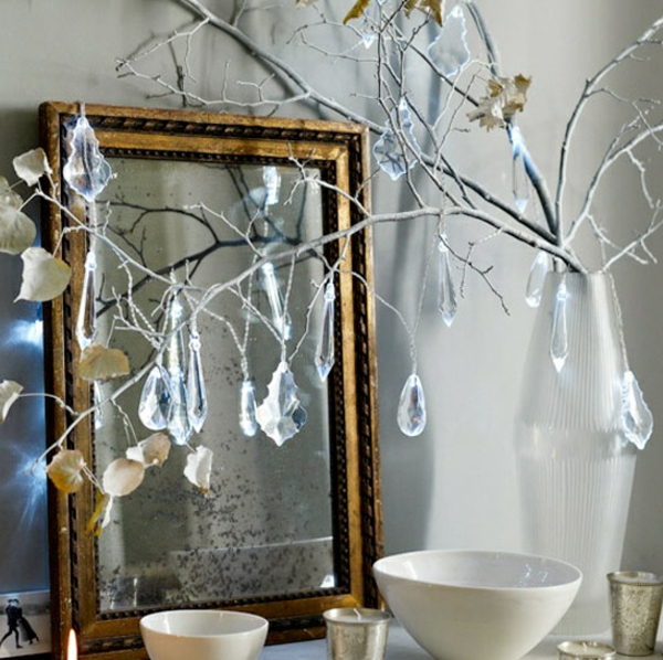 modern-christmas-tree-ideas-hanging-crystals-resized