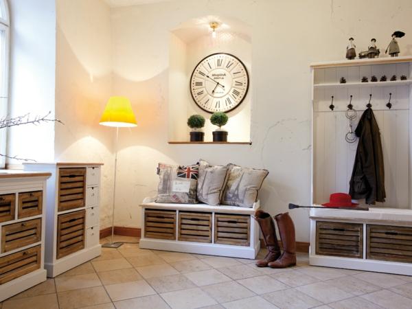 moderne-Sitzbank-mit-Platz-zur-Aufbewahrung-für-den-Flur