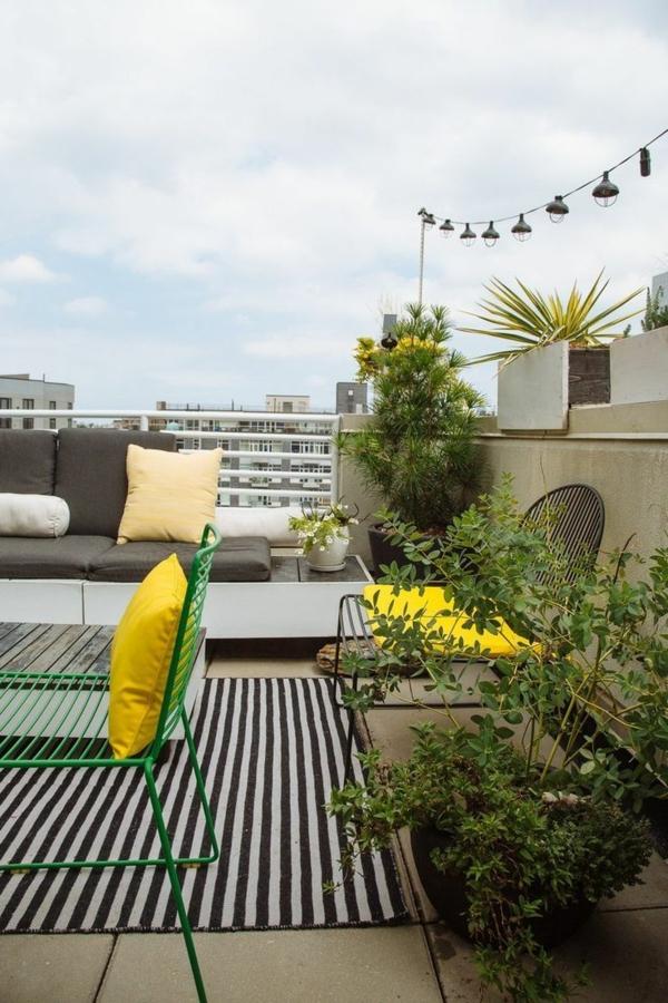 moderne-Terrassengestaltung-mit-einem-Teppich