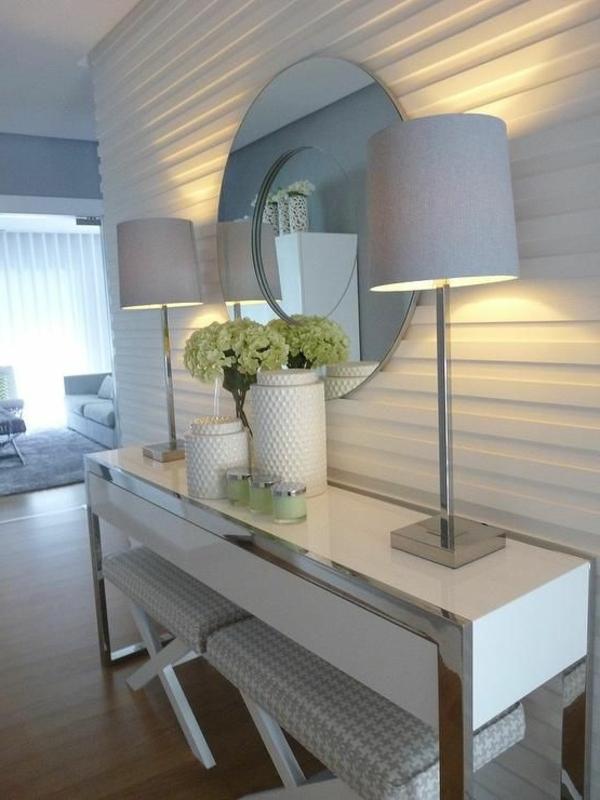 moderne-Wandgestaltung-Flur-in-Weiß