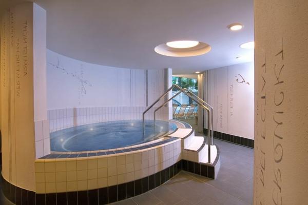 moderne-whirlpools-für-innen