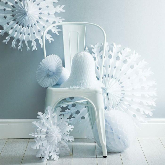 origami anleitung einfach weiße schneeflocken deko aufhängen