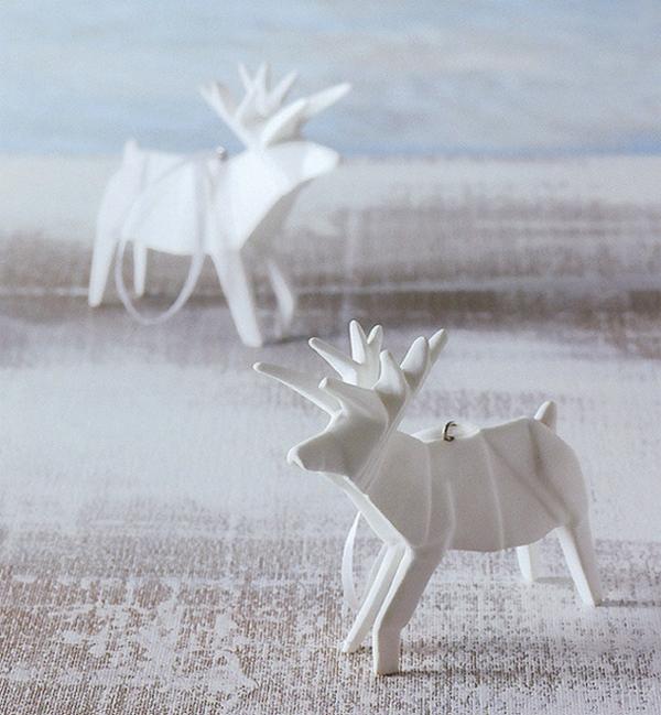 origami-zu-weihnachten-damhirsche-in-weiß - heller hintergrund