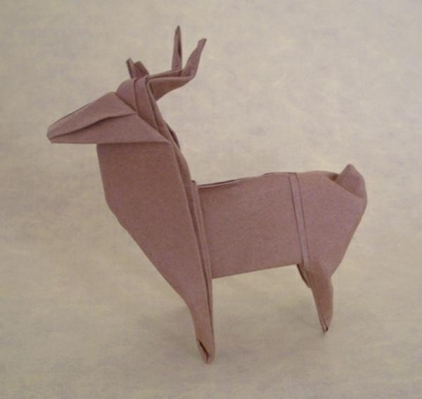 origami-zu-weihnachten-ein-damhirsch