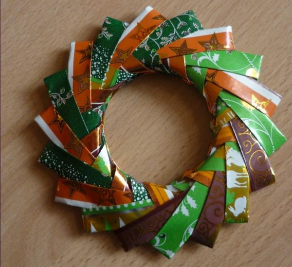 origami-zu-weihnachten-eleganter-kranz - in vielen farben
