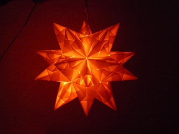 origami-zu-weihnachten-leuchtender-stern - sehr interessantes foto