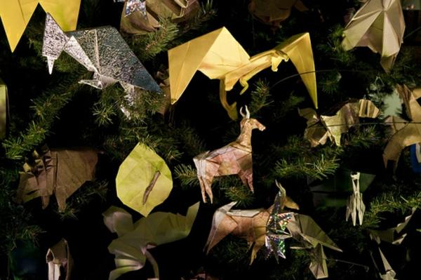 sehr originelle origami für weihnachten - auf dem tannenbaum