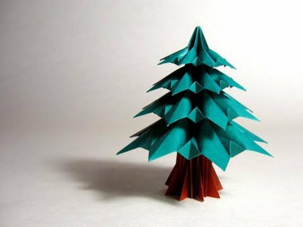 origami-zu-weihnachten-wunderschönes-modell-vom-tannenbaum - hintergrund in weißer farbe