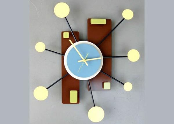 originelles-Design-Kreative-Wandgestaltung-mit-coolem-Wanduhr