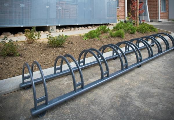 Fahrradständer-aus-Edelstahl
