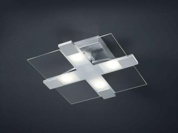 quadratische-led-deckenlampe-graue-zimmerdecke