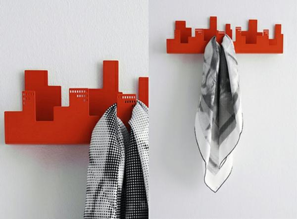 rote-Wandhaken-mit-fantastischem-Design