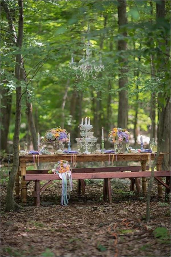 schöne-Blumendeko-Hochzeitsideen-für-eine-unvergessliche-Hochzeit-Tischdeko