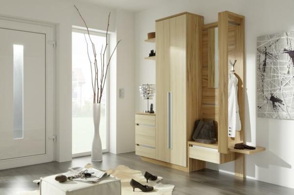 schöne-Ideen-für-das-Interior-mit--Holzmöbeln-für-den-Flur