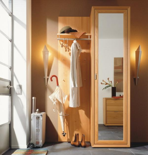 schöne-Ideen--für-das-Interior-mit-Holzmöbeln-für-den-Flur