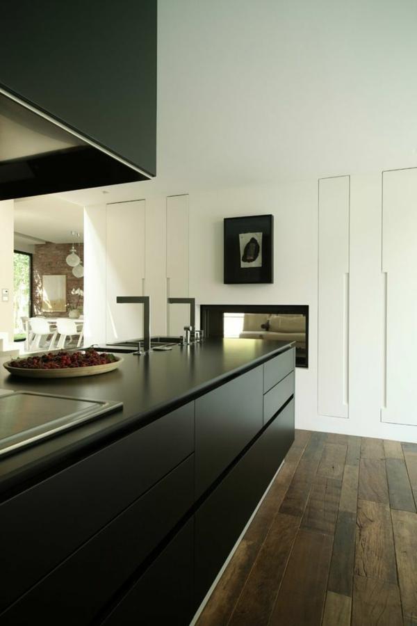 schöne-Ideen-für-das-Interior-mit-Parkett-in-dunkelbrauner-Farbe