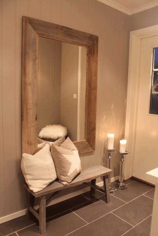 schöne-Sitzbank-aus-Holz-für-einen-tollen-Flur