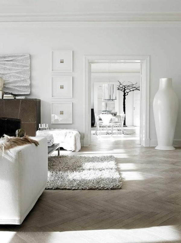 wohnzimmer holzboden:schöne-Wohnung-mit-Parkettboden-und-weißem-Teppich-tolle-Wohnideen